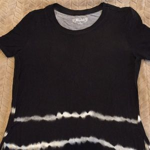 Mudd brand tie-dye tunic length top. NWOT.